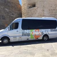 Bus con conducente per 20 persone